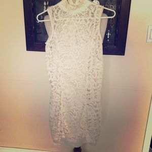Turtle neck Lace sleeveless dress